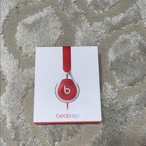 Accessories - Red Beats Headphones ep